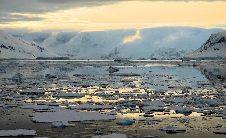 Der Tourismus in die Antarktis hat im letzten Jahrzehnt zugenommen. Der faszinierenden Magie der