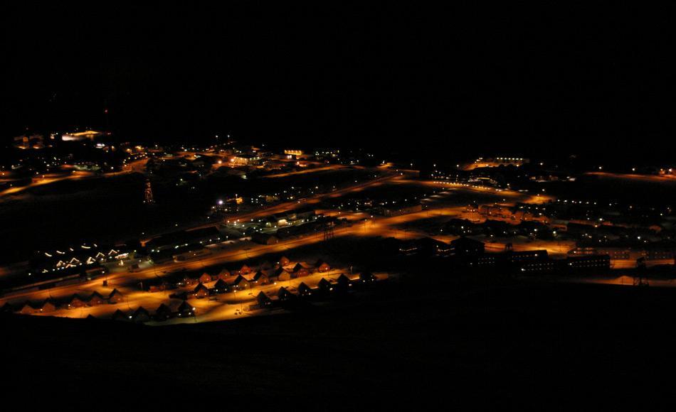 Longyearbyen ist sehr stark von Elektrizität abhängig, da es im Winter für mehrere Monate komplett dunkel wird. Bild: Michelle van Dijk