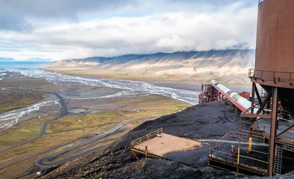 Zwei Kohlenminen sind auf Svalbard immer noch in Betrieb. Eine davon produziert Kohle für Longyearbyen, während die andere, Sveagruva, für den Kohleexport genutzt worden ist. Bild: Erlend Berge
