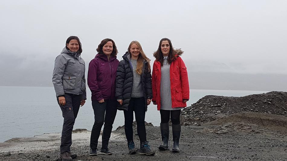 Die AECO ist eine Vereinigung der Anbieter von polaren Reisen. Sie fördert einen nachhaltigen und umweltfreundlichen Tourismus in der Arktis. Das Team besteht aus: Ida Lund Winther (Office Manager), Frigg Jørgensen (Executive Director), Edda Falk (Communications Manager), M. Florencia Becherini (Executive secretary and accountant) Bild: AECO