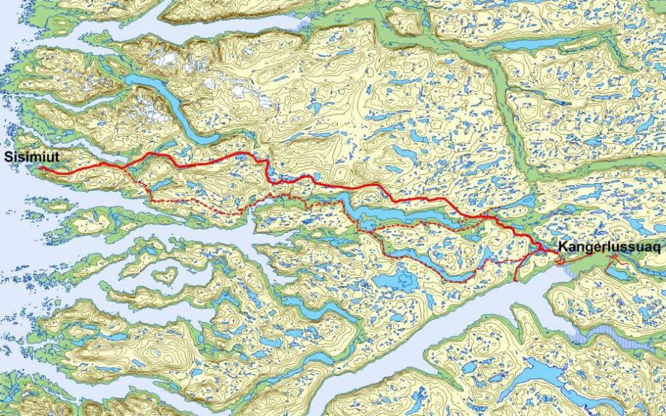 Die Strasse (durchgezogene Linie) beeinträchtigt den Arctic Circle Trail (gestrichelte Linie) nicht. (Bild: Qeqqata Kommunia)